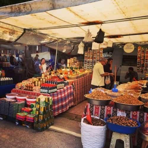 Vrijdag markt Antalya kruidenier