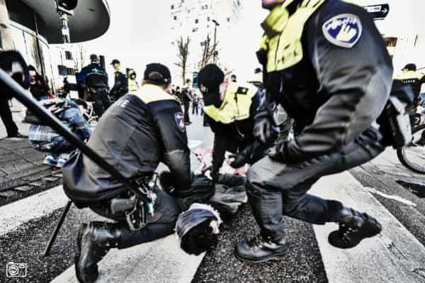 …<a class=more-link href=https://melicious.nl/stop-politie-geweld/>Bekijk bericht</a></div><footer class=