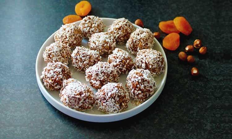 Dadel chocolade kokos balletjes