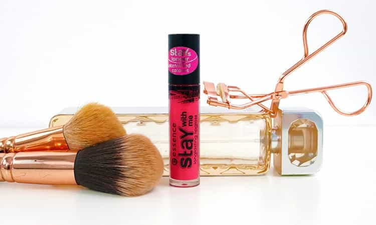 Essence-Stay with me longlasting lipgloss