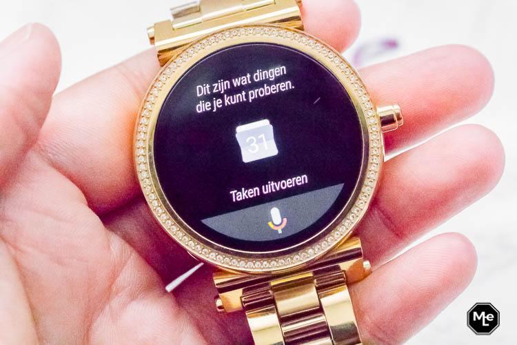 Michael Kors Acces Sofie smartwatch - google assistant
