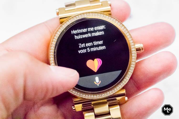 Michael Kors Acces Sofie smartwatch - google assistant