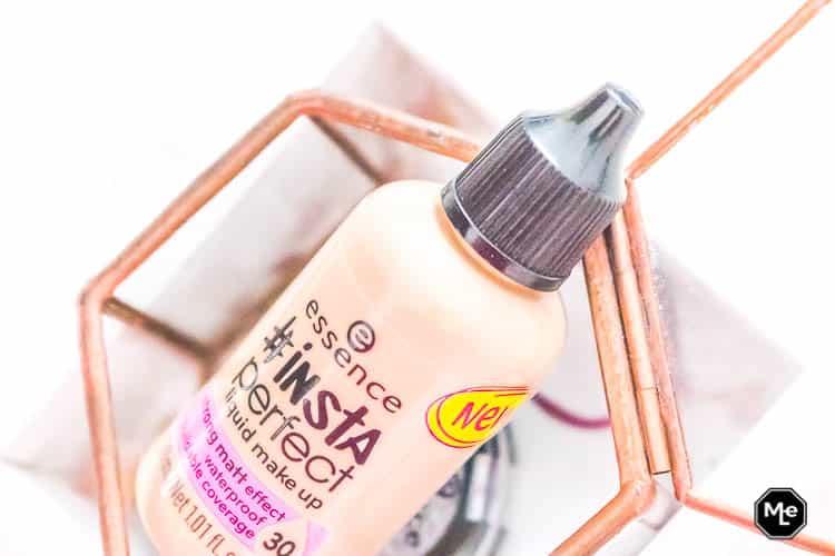 Essence #Insta Perfect Liquid Foundation close-up