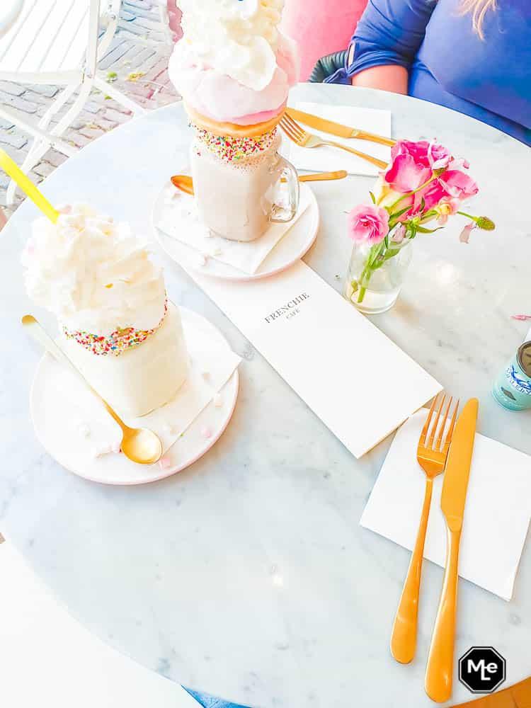 frenchie café - freakshakes