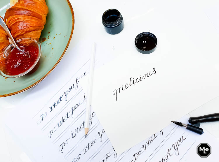 kalligrafie bedrijfslogo