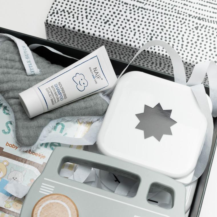 mini shampoo (15 ml) van Naïf en lunchboxen van laessig