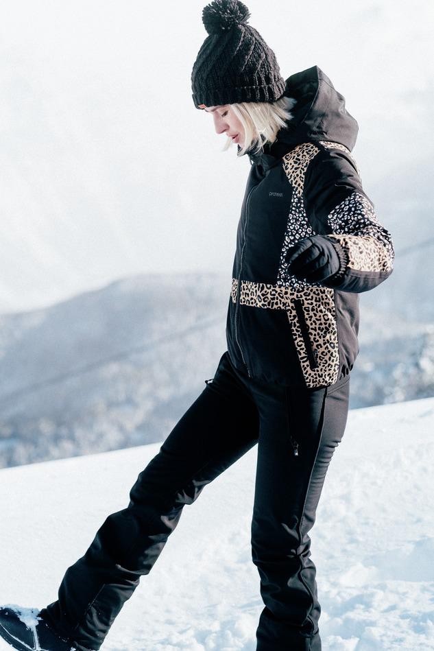 wintersportjas protest luipaard trend