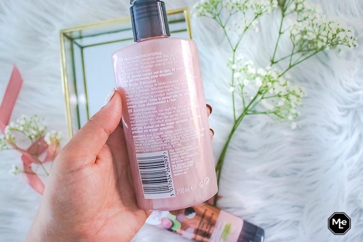 Verpakking achterkant Bioré rose quartz + houtskool cleanser
