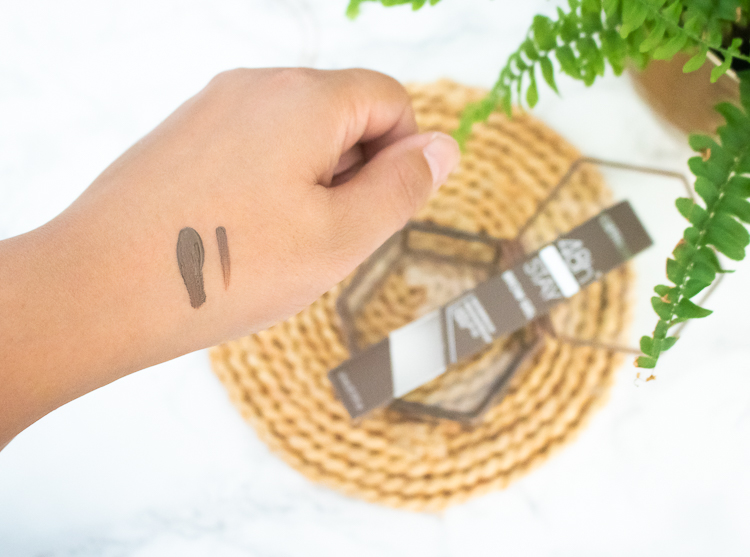 Catrice  Brow Gel applicator swatches