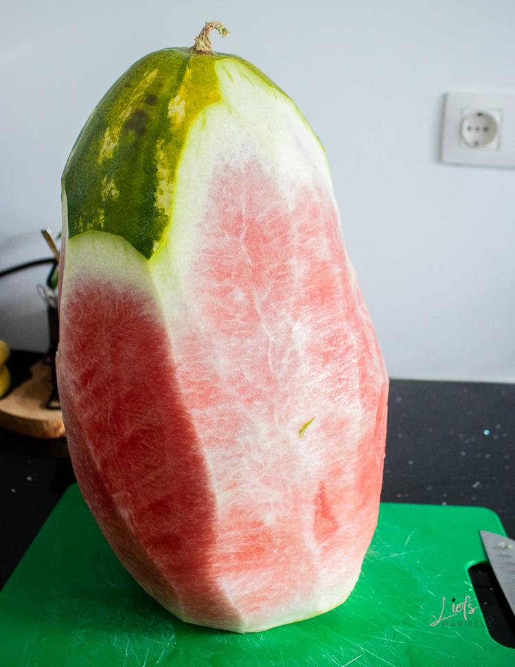 Hoe je het beste een watermeloen kunt snijden